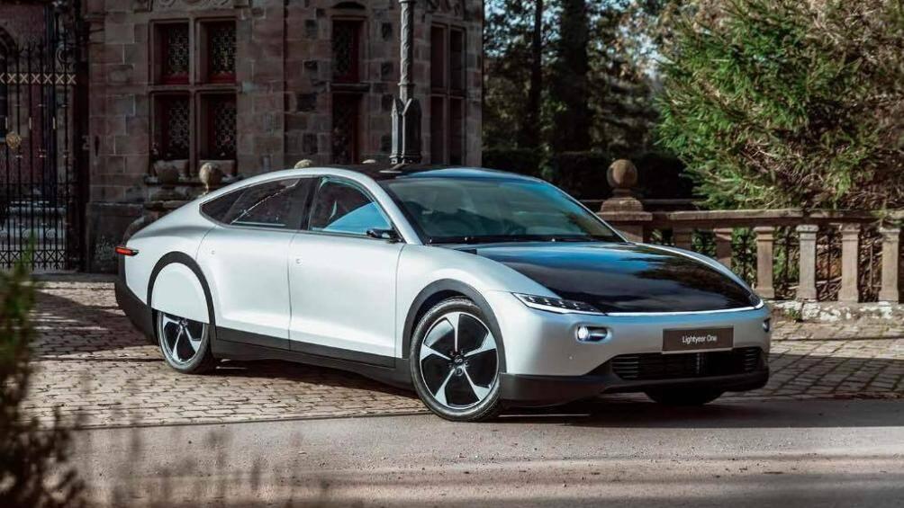Một công ty khởi nghiệp của Hà Lan có tên gọi Lightyear đang có kế hoạch sản xuất mẫu xe điện cỡ nhỏ sử dụng năng lượng mặt trời với tên gọi Lightyear One