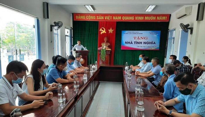 Các đơn vị dự án Cam Lộ - La Sơn hỗ trợ 720 triệu đồng xây nhà tình nghĩa 1