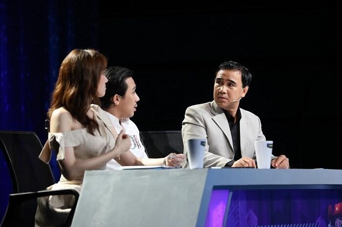 Trấn Thành tiết lộ, Quyền Linh đi quay hình vẫn gọi điện báo cáo vợ 1