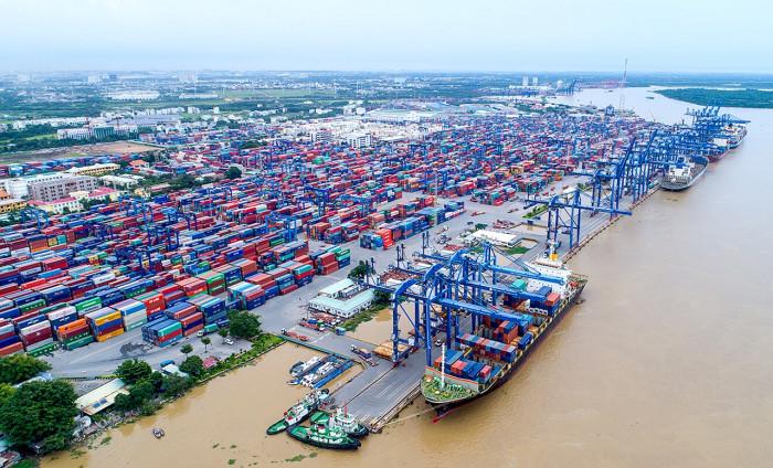 Ứng phó nguy cơ quá tải cảng cát lái