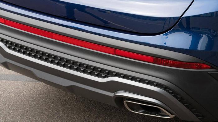 Lộ diện Hyundai SantaFe phiên bản mới XRT, giá 741 triệu đồng 14
