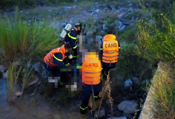 phát hiện thi thể người phụ nữ đang phân hủy tại đập bara Đô lương