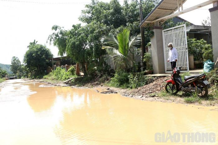 Đắk Lắk: Dân khốn khổ vì bị