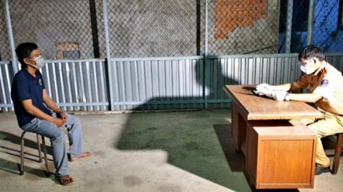 Trưởng phòng CSGT bị kiểm điểm vì thuê xe chở cây khủng đi vào đường cấm 1