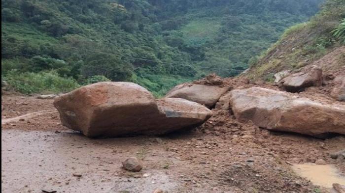 Nhà dân, cầu đường Quảng Nam oằn mình gánh hư hại lũ quét do bão số 5 5