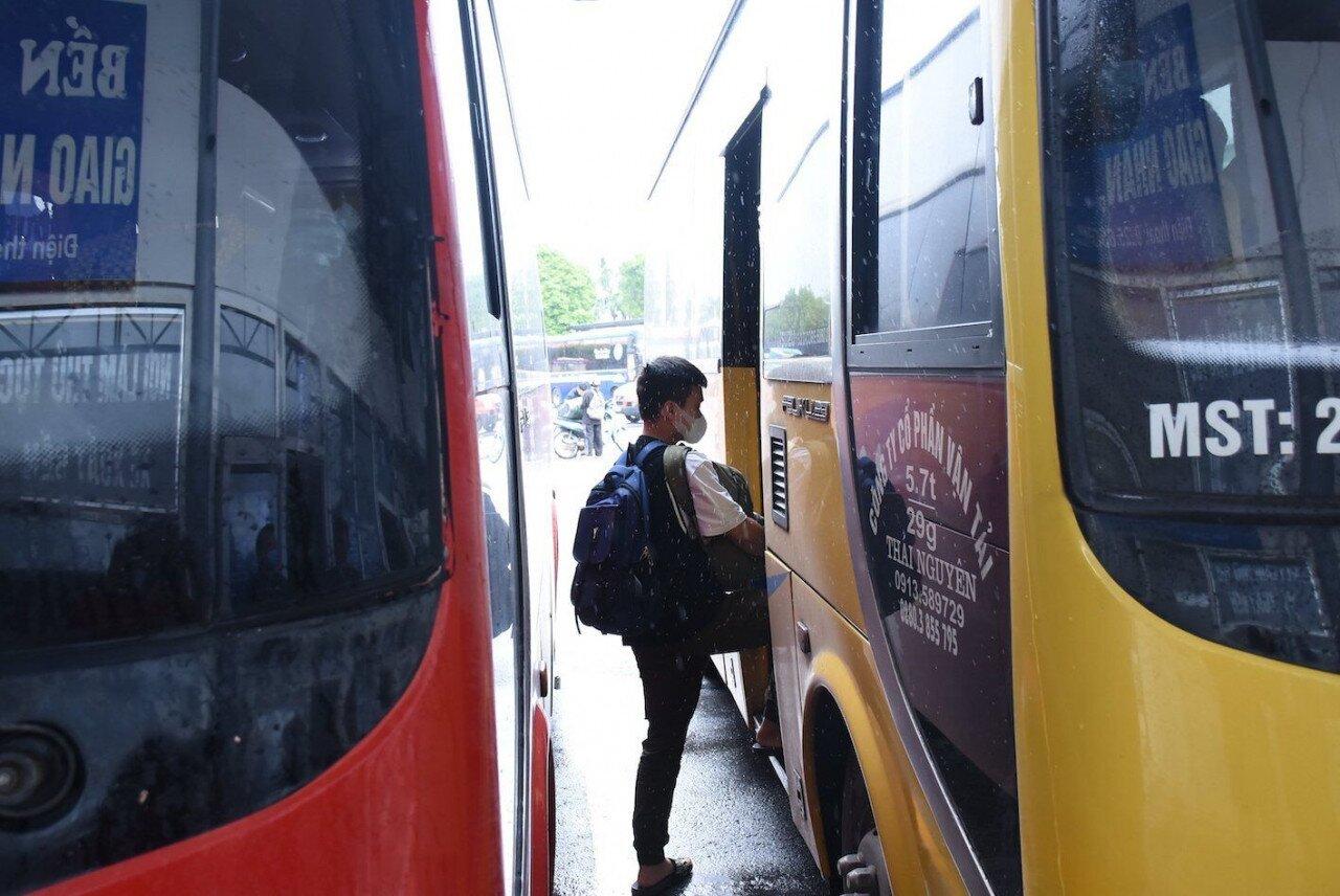 Từ ngày 14/10 đến ngày 20/10, Sở GTVT Hải Phòng thí điểm tổ chức hoạt động vận tải hành khách theo tuyến cố định đi đến 8 tỉnh/thành phố gồm Quảng Ninh, Bắc Giang, Lạng Sơn, Bắc Ninh, Sơn La, Thanh Hoá, Nghệ An và TP Hà Nội.